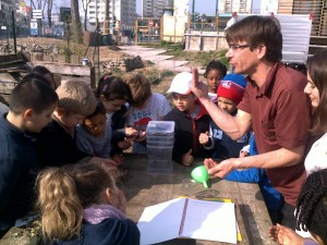 Mise en situation, comment expliquer le compostage aux enfants ?